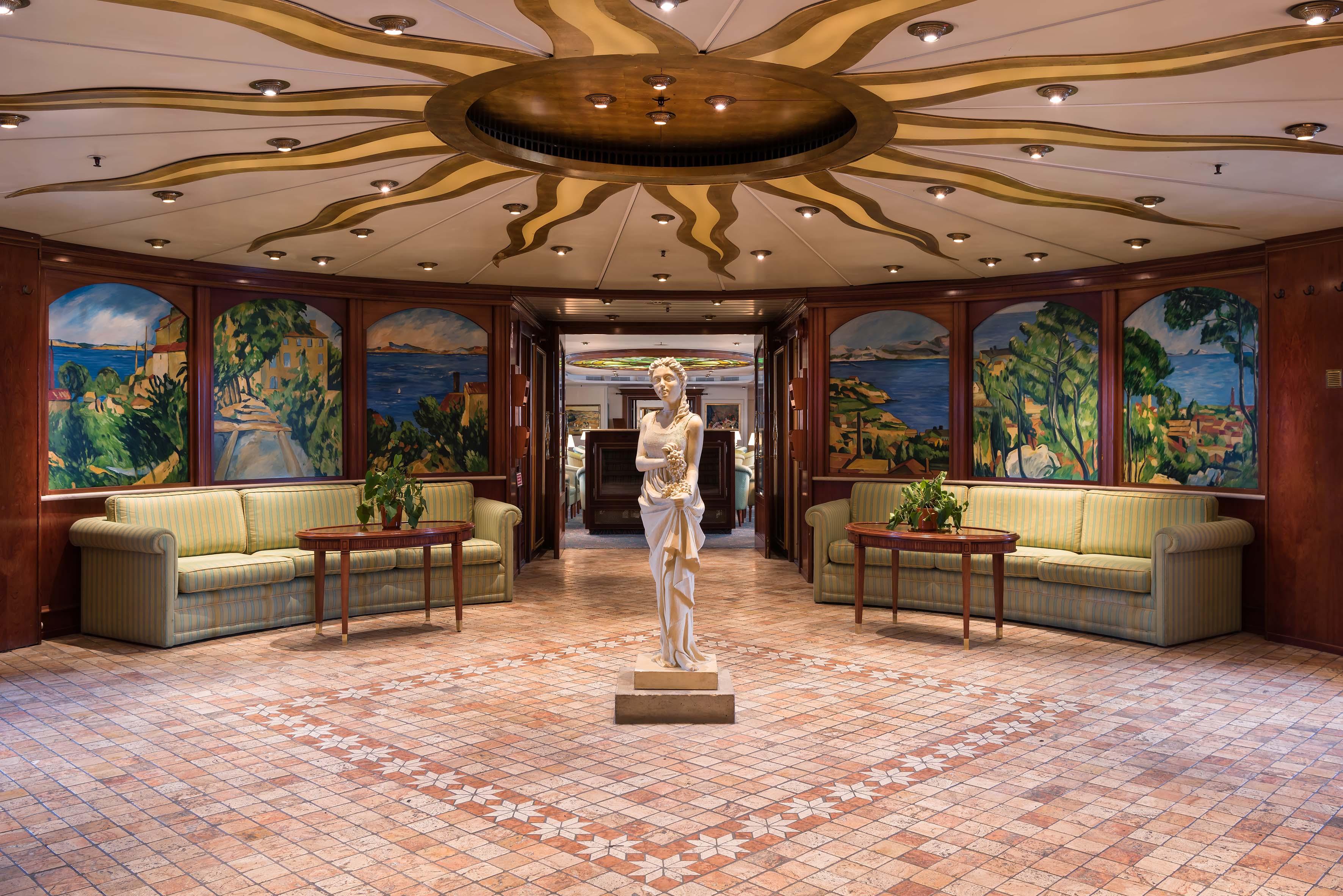 The hall of Hotelschiff MS Cezanne, Düsseldorf