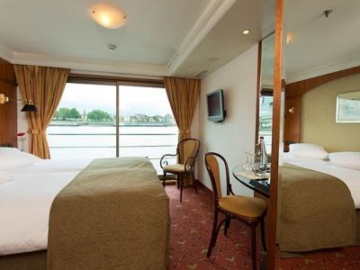 Hotelschiff Tiara Frankfurt